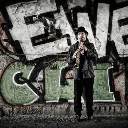 Personal-work-reportage-Street-Musician-Berlin